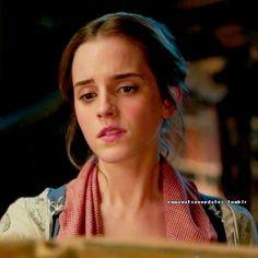 """Emma Watson - Bill Condon: """"Emma Watson's singing voice has a beautiful, sweet, pure sound"""""""