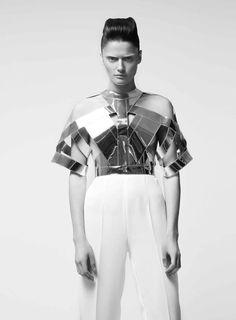 https://i.pinimg.com/736x/d5/d4/b6/d5d4b6725d65b8d477323c231aa77317--fashion-architecture-future-fashion.jpg