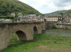 Saint-Côme-d'Olt Mansions, House Styles, Bridges, France Travel, Wayfarer, Bridge, Vacation, Manor Houses, Villas