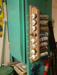 Caulking storage rack