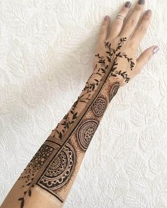 Latest bridal mehndi design for hands by @rabbyy_mehndi #mehndiforbridal #bridalmehndidesign #bridalhennatattoo #mehndi #mehndidesign #henna #hennadesign #hennatattoo