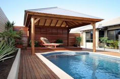 Get the perfect custom pergola shade for your delight. Find the pergola pool designs that suit the space you want to create! Modern Pools, Pergola With Roof, Cozy Backyard, Pool Shade, Pool Houses, Pool Area, Bali Huts, Pool Halls