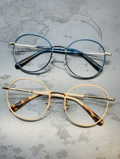 Round Glass, Glasses, Fashion, Fashion Styles, Eyewear, Moda, Eyeglasses, Eye Glasses, Fashion Illustrations