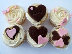 Cupcakes for valentines day! By carlilecakes on CakeCentral.com