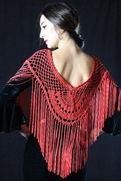 Crochet Tunic, Crochet Yarn, Easy Crochet, Knit Crochet, Flamenco Costume, Belly Dance Costumes, Crochet Crafts, Crochet Projects, Crochet Scrubbies