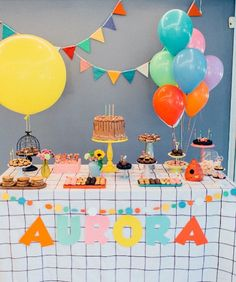 Birthday Party At Park, Outdoor Birthday, Birthday Table, First Birthday Parties, Birthday Party Themes, First Birthdays, Puppy Party, Baby Party, Party Organization