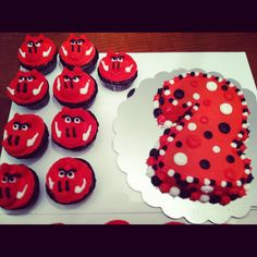 razorback cupcakes and cake for a 2'nd birthday party.