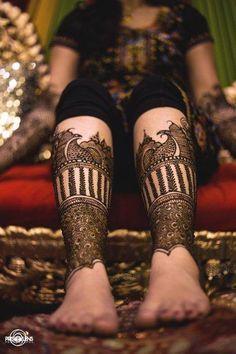 Indian Wedding Website : Wed Me Good Leg Mehendi Design, Full Mehndi Designs, Heena Design, Beautiful Henna Designs, Beautiful Mehndi, Bridal Mehndi Designs, Gorgeous Feet, Foot Henna, Henna Mehndi