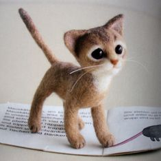 so cute felted kitten !