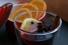 Recept voor lekkere warme en vooral kruidige bisschopswijn, het traditionele drankje tijdens Sinterklaas!