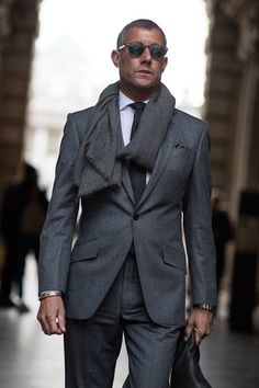 The best street style photographs, strongest looks and most stylish men at the London Collections: Men shows for autumn/winter 2015 Estilo Fashion, Fashion Mode, Suit Fashion, Mens Fashion, Fashion Styles, Gentleman Mode, Dapper Gentleman, Gentleman Style, Sharp Dressed Man