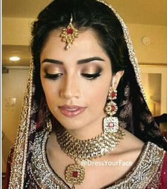 Soft Indian bridal make up Indian Wedding Night, Indian Wedding Makeup, Wedding Eye Makeup, Indian Makeup, India Wedding, Indian Bridal Hairstyles, Pretty Hairstyles, Wedding Hairstyles, Soft Bridal Makeup