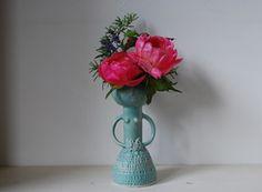 Image of Medium lady vase