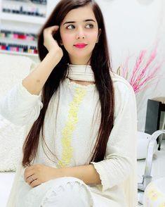 10 Most Beautiful Women, Beautiful Girl In India, Beautiful Girl Photo, South Indian Actress Photo, Indian Actress Photos, Cute Beauty, Beauty Full Girl, Sweet Girl Pic, Western Dresses For Girl