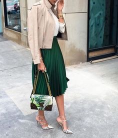 This absolutely stunning pleated skirt will make your outfit look perfect and so well put together. Pair it with a basic top and sneakers for a casual look or with heels for a special occasion or a night out and you will look amazing.