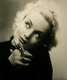 Classic Hollywood Stars.  Vintage Style. Carole Lombard