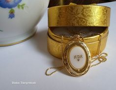 Oval Photo Locket / שרשרת אמא תליון אובלי נפתח