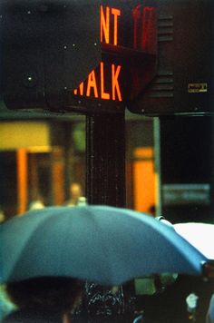 Find the latest shows, biography, and artworks for sale by Saul Leiter. Saul Leiter received no formal training, but has gained renown for his street photogr… Saul Leiter, Color Photography, Vintage Photography, Street Photography, Photography Gloves, Photography Lighting, Travel Photography, Photography Backdrops, White Photography