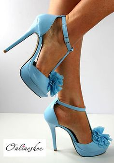 Shoes:these give the outfit a bit of colour so it is not all the same colour which makes the outfit look boring