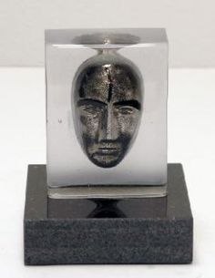 Bertil Vallien - Glaskonst - Limiterat Silveransikte Beställ här! Klicka på bilden.