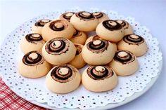 Leziz mantar kurabiyesi nasıl yapılır? Mantar kurabiye tarifleri için tıklayın.