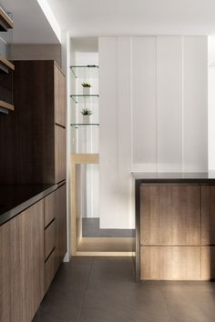 INDOT | THE FAMILY'S INN Cabinet Door Hardware, Shoe Cabinet, Casa Clean, Small Space Solutions, Black House, Home Interior Design, Interior Ideas, Living Area, Living Room