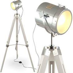 L31 MOJO STEHLAMPE STEHLEUCHTE TRIPOD LAMPE LESELAMPE LESELEUCHTE SHABBY CHIC TRIPODLAMPE BAUHAUS CINEMA STATIVLAMPE DREIBEIN KINO LAMPE TISCHLAMPE STATIV-LAMPE HOLZ CHROM OPTIK RETRO DREIBEIN STATIV VINTAGE BODENLEUCHTE MODERN DESIGNLAMPE DESIGNERLAMPE DESIGN DESIGNER BODENLAMPE ELEGANT KLASSISCH SCHEINWERFER MOVIE STANDLAMPE STANDLEUCHTE LEUCHTE DECKENFLUTER STRAHLER DECKENSTRAHLER LICHTSÄULE INNENLEUCHTE LOUNGE ENEREGIESPAR SEEFAHRTLAMPE SCHIFFSLAMPE DESIGNERLEUCHTE ESSZIMMER WOHNZIMMER…