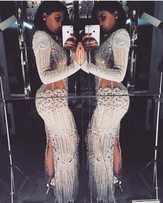 With Kendall in a sculptural Atelier Versace cut-out dress, and Kim and Kylie in dazzling Balmain numbers, see what the Kardashians wore to the MET Gala Kylie Jenner Met Gala, Mode Kylie Jenner, Trajes Kylie Jenner, Estilo Kylie Jenner, Kylie Jenner Dress, Sexy Dresses, Beautiful Dresses, Evening Dresses, Prom Dresses