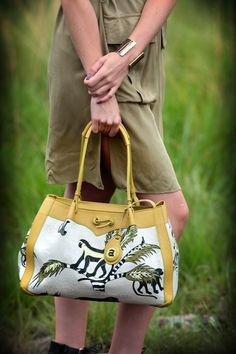 Monkey Palm bag, modelled by Amanda Custo. Hand Bags, Monkey, Amanda, Palm, Africa, Ceramics, Stuff To Buy, Accessories, Collection