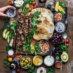 Eat Delicious: 125 Recipes for Your Daily Dose of Awesome Charcuterie Platter, Good Food, Yummy Food, Food Platters, Food Presentation, Appetizer Recipes, Appetizers, Food Inspiration, Brunch