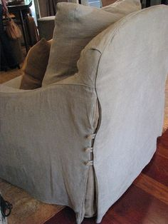 love the details on this slipcover ~