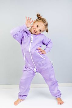 Fashion Niños, Kids Fashion, Girls Jeans, Kind Mode, Trends, Overalls, Hoodies, Children, Sweaters