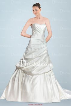 Enchanting Sweetheart Neckline A-line Wedding Dress in Finest Ruche and Pleats Details