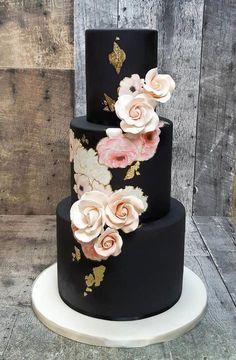 35 Breathtaking black wedding cakes for eternal couple 35 Breathtaking black wedding cakes – elegant wedding cake Black Wedding Cakes, Elegant Wedding Cakes, Elegant Cakes, Beautiful Wedding Cakes, Wedding Cake Designs, Beautiful Cakes, Amazing Cakes, Perfect Wedding, Purple Wedding