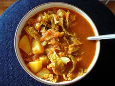 Hungarian Cabbage Soup-I think I'll try throwing it all in the crockpot & see what happens. Soup Recipes, Great Recipes, Dinner Recipes, Favorite Recipes, Hungarian Cuisine, Hungarian Recipes, Hungarian Food, Bowl Of Soup, Soup And Salad