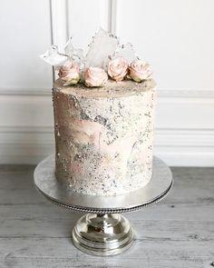 40th Cake, Cool Cake Designs, Silver Cake, Buttercream Wedding Cake, Painted Cakes, Fondant Flowers, Little Cakes, Novelty Cakes, Let Them Eat Cake