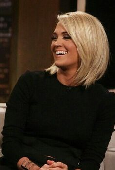 8 Times Carrie Underwood Rocked The You Know What Out Of Her Short Hair – Farbige Haare Carrie Underwood Frisur, Medium Hair Styles, Short Hair Styles, Hair Color And Cut, Hair Affair, Blonde Bobs, Medium Blonde Bob, Curly Blonde, Great Hair