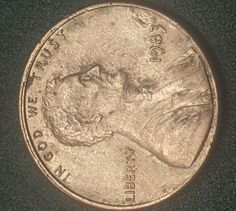 1983 penny Lincoln error no mint mark 1 cent Coin old US Currency Denver - Bit Coin - Ideas of Bit Coin - 1983 penny Lincoln error no mint mark 1 cent Coin old US Currency Denver Us Coins, Rare Coins, Old Coins Value, Saving Coins, Rare Pennies, Valuable Coins, Coins Worth Money, Error Coins, Coin Worth