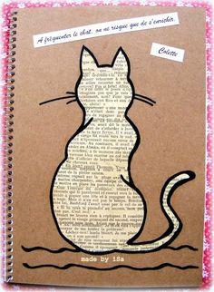 Besoin de: 1. Papier journal 2. carton 3. Sharpie 4. Ciseaux 5.colle Étapes: Prend le sharpie et dessine un chat sur le carton, prend tes ciseau et découpe le corps. Ensuites, dèrière le carton colle la feuille de papier journal et regarde le dessu de la feuille. Tu verra que le corps que tu as découper cera devenu du papier journal. :)
