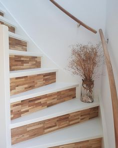 Fairwood b. Stair Renovation, Open Trap, Interior Design Living Room Warm, Flur Design, Basement Remodel Diy, Painted Stairs, Stair Storage, House Stairs, Paint Colors For Living Room