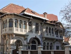 Romania, Custom Homes, Mansions, Architecture, House Styles, Building, Classic, Home Decor, Arquitetura