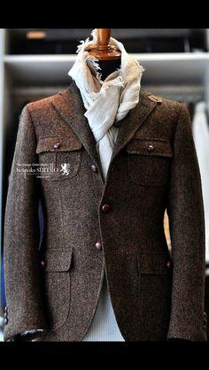 Omg this coat is amazing Tweed Jacket Men, Tweed Suits, Sharp Dressed Man, Well Dressed Men, Mens Fashion Suits, Mens Suits, Vêtement Harris Tweed, Designer Suits For Men, Safari Jacket