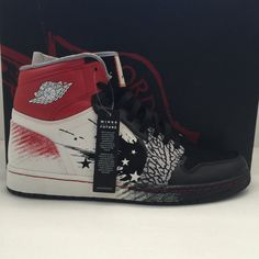 """- Nike Air Jordan 1 I High """"Dave White"""" Size - Authentic - Style 001 , - Colorway:black/sport red-white Popular Sneakers, Best Sneakers, White Sneakers, Sneakers Fashion, Kicks Shoes, Lit Shoes, Dave White, Only Shoes, Nike Air Jordans"""