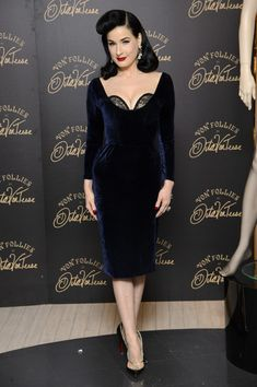 0b4cde3d98fe Dita Von Teese Lookbook  Dita Von Teese wearing Retro Hairstyle (3 of 8)