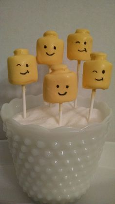 Lego Head Marshmallow Pops    ♪ ♫ ♬  Everything is AWESOME!!  ♪ ♫ ♬