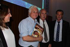 """FEHGRA: El libro de la """"Gastronomía Regional Argentina"""" se promocionó en Brasil"""