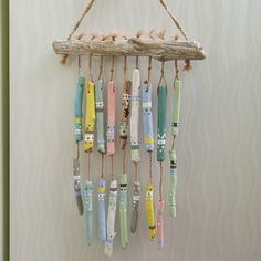 Colored garland of driftwood, wind chimes Wooden Wind Chimes, Room Decor, Wall Decor, Wall Art, Clay Art Projects, Driftwood Crafts, Sticks And Stones, Etsy Business, Camping Crafts