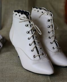 off white wedding boots real leather lace by NativeVibesOutfitter