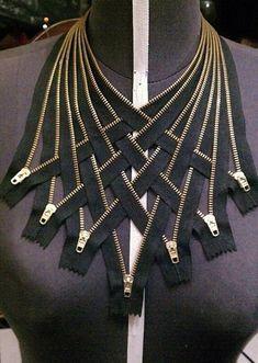 Horseshoe (Raindrop) Chain Tutorial WynterCreations - Zipper jewelry, Zipper crafts, Fabric jewelry, S Diy Jewellery Chain, Zipper Jewelry, Fabric Jewelry, Fine Jewelry, Gold Jewelry, Amber Jewelry, Beaded Jewelry, Diy Jewelry Projects, Diy Jewelry Tutorials