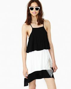 Black Contrast White Spaghetti Strap Loose Dress pictures